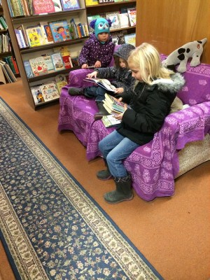 Children Reading by Alissa Ann Smith