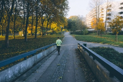 woman-jogging-in-park