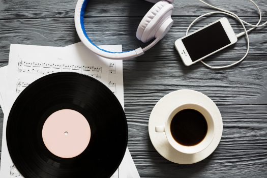 vinyl-coffee-cup-headphones