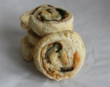 prosciutto-arugula puff pastry appetizers | writes4food.com