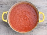 low-fat tomato and roasted red pepper soup recipe | writes4food.com