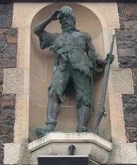 Alexander_Selkirk_Statue smaller
