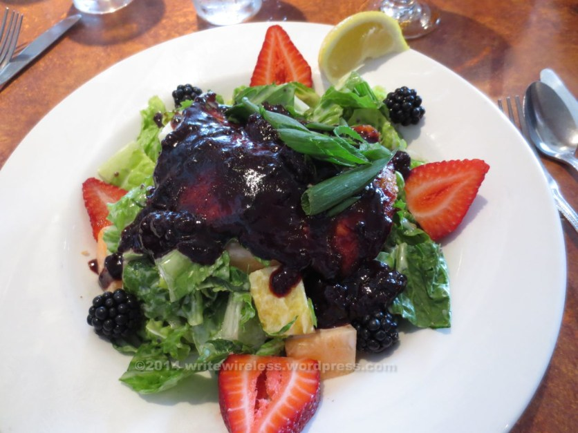Grilled Salmon & Marionberry at Georgie's Restaurant: heavenly!