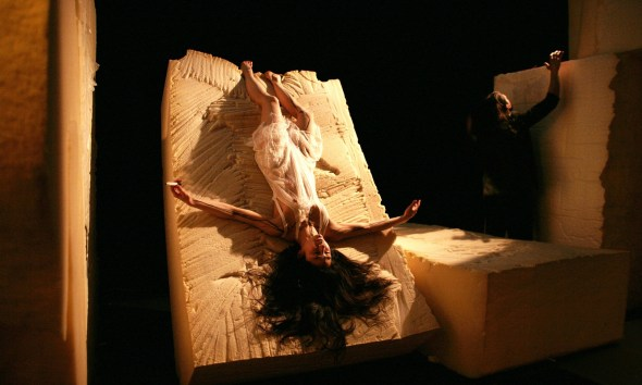 An scene in Jasmin Vardimon Company's MAZE (photo: Martin Godwin)