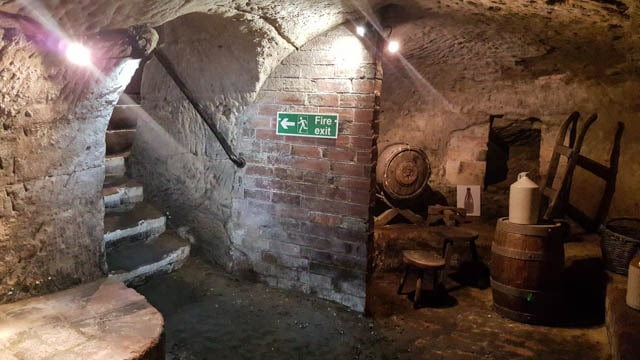 Nottingham's Caves and Reconstruction of Communities
