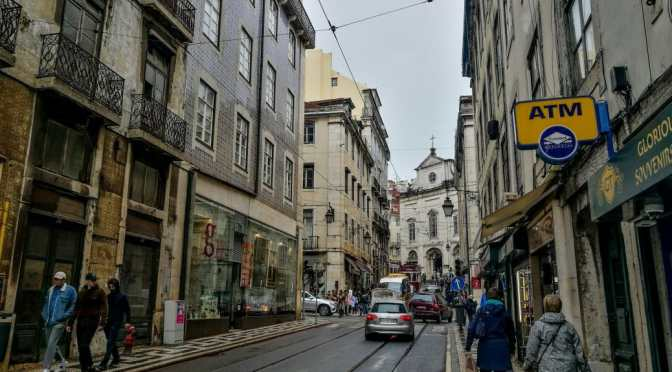 On the dawn in Lisbon (Pessoa)