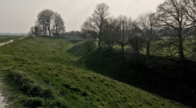 Avebury Walk: West Kennet Long Barrow to Silbury Hill to avebury