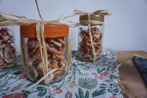 low-waste party_raffia for gift wrapping_Writing From Nowhere