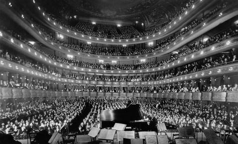 opera-67497_1920