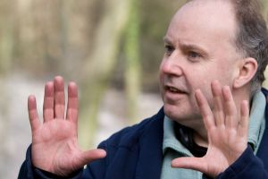 HPDH1-00977 Director DAVID YATES on the set of Warner Bros. PicturesÕ fantasy adventure ÒHARRY POTTER AND THE DEATHLY HALLOWS Ð PART 1,Ó a Warner Bros. Pictures release.    Photo by Jaap Buitendijk