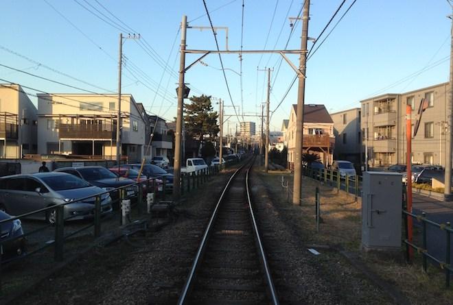 踏切からの江ノ電線路