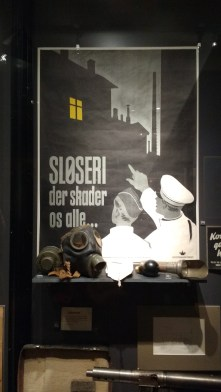 Informational poster urging citizens to comply with blackout orders during the Nazi occupation