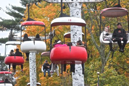 salem-new-hampshire-canobie-lake-park-ski-lift-ride
