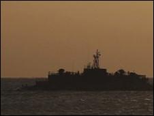 Tàu chiến Nam Hàn ngoài khơi đảo Yeonpyeong