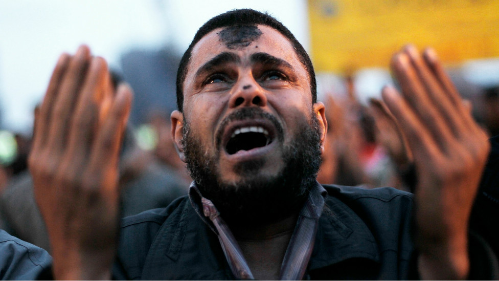 https://i0.wp.com/wscdn.bbc.co.uk/worldservice/assets/images/2011/01/30/110130170245__an_anti-government_protester_cries_during_islamic_prayers__976x549_getty_nocredit.jpg