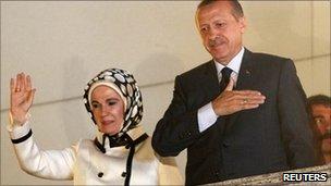 اردوغان و همسرش در جشن پیروزی