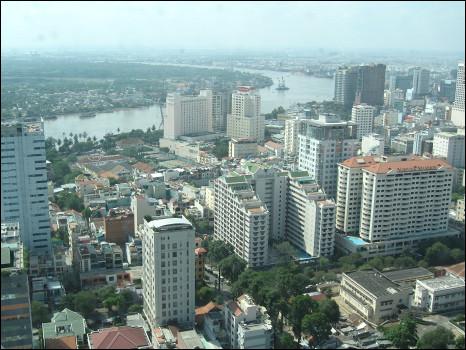 Sài Gòn, đô thị lớn nhất Việt Nam đang tiếp tục mở rộng - hình Nguyễn Giang