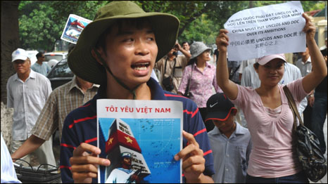 Biểu tình chống TQ tại Hà Nội