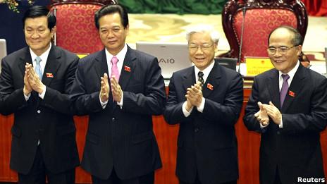 Dàn lãnh đạo chủ chốt với các ông Sang, Dũng, Trọng, Hùng  ra mắt Quốc hội