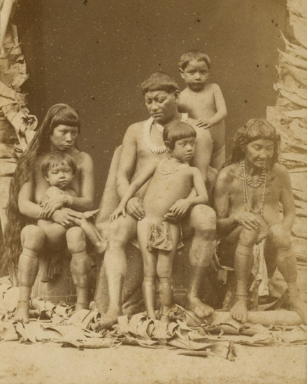 Índios Galibi, no jardim zoológico da Acclimatation, em Paris, em 1893. Foto: grupo de pesquisas Achac, coleção particular