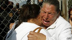 Los familiares de los presos están desesperados