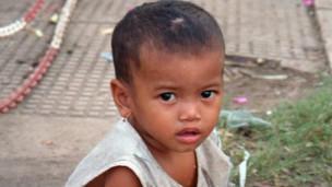 Niña en Camboya
