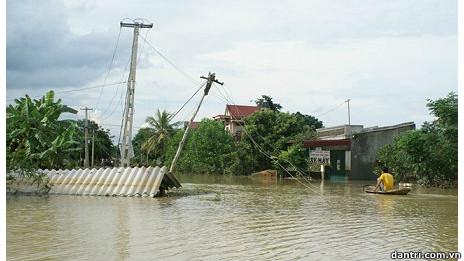 Cảnh ngập lụt ở Quảng Phú