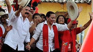 Xiomara Castro y Manuel Zelaya.