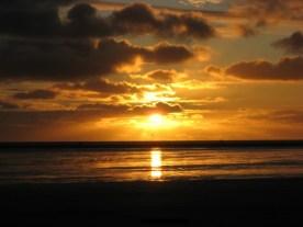 Der Abend verwöhnte uns mal wieder mit einem schönen Sonnenuntergang