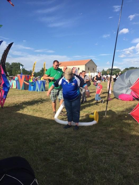 Das neue Windspiel vom Drachennest, es nennt sich Katja und wird mit Gebläse gefüllt.