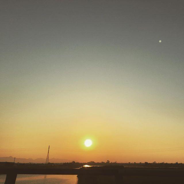 橋の上。忙しい日々よお疲れ様!#イマソラ #mysky #sky #sunset #river #bridge #fine