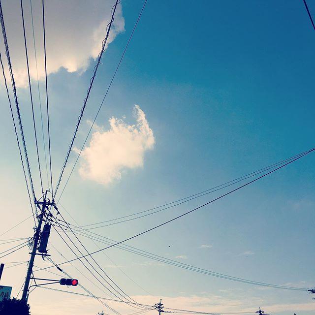 なんとなく、なんとなく、ゆっくり行きましょう。#イマソラ #mysky #sky #cloud #fine #blue #信号