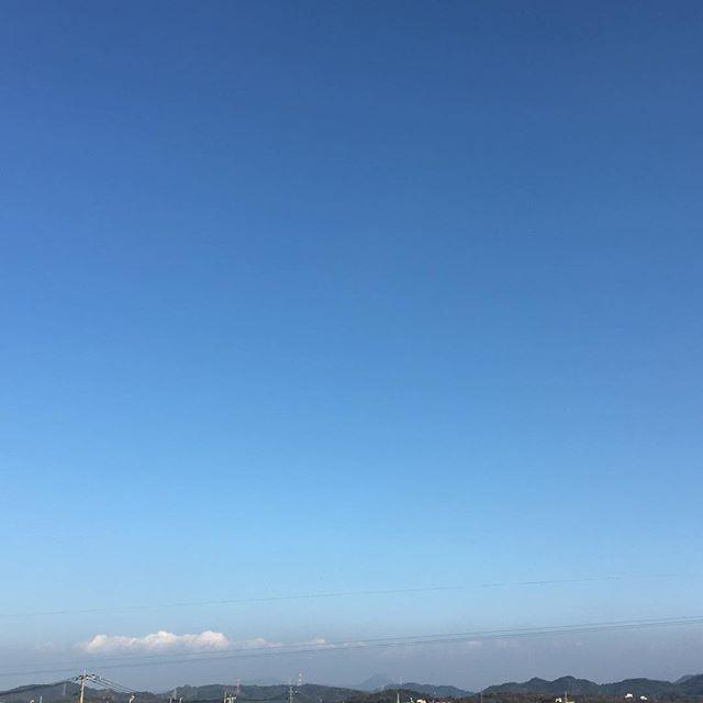 あたたかい師走です。あたたかいもこもこ雲が出ています。#イマソラ #mysky #sky #blue #cloud #fine #warm #winter #december #2015