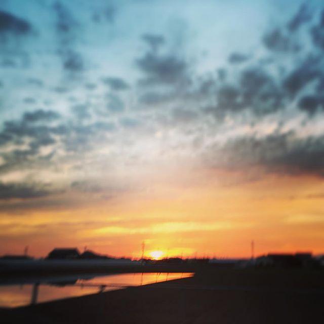 今日は余震も少なく、気持ちもゆっくり出来たように思います。きれいな夕焼けに願いを込めて。また明日元気でいられますよう。#イマソラ #mysky #sky #sunset #fine #hope #beautiful #goodluck