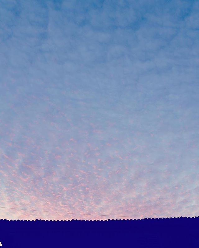 天気は下り坂。さあ、今年もがんばろう。#イマソラ #mysky #sky #cloud #sunset #evening