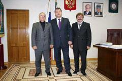 Адлан Вараев помогает чеченским спортсменам