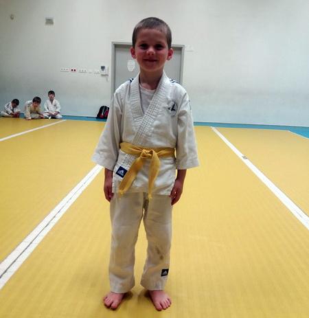 Асланбек Божев завоевал на турнире 2 золотые и 1 серебряную медали.