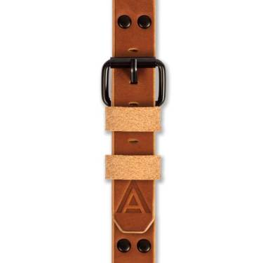 Trench watch strap fastened tan by WT Author