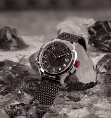 HANDMADE WATCHES FOR MEN BLACK MESH Nº 1953 AUTOMATIC HERO FRONT