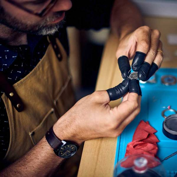 HANDMADE WATCHES BY W AUTHOR MOVEMENT