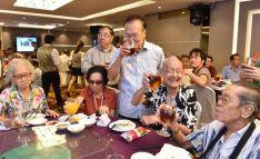圖為貴賓楊敦清先生敬與會者p1141-15-08