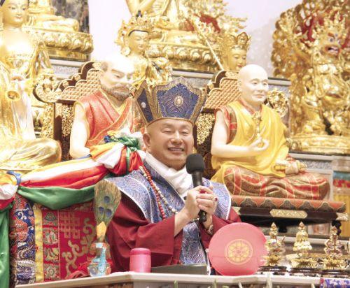 圖為法王蓮生活佛盧勝彥p1148-04-01