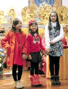 圖為三位可愛的小蓮花童子,左起李琪、雷倩、伊庭p1148-05-02