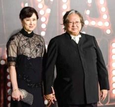 洪金寶與妻子高麗虹出席活動p1156-a8-10