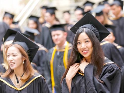 美國越來越多的留學生放棄H-1B抽籤 p1157-a4-06Web Only