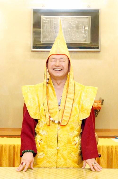 圖為無上法王蓮生活佛盧勝彥 p1158-12-01