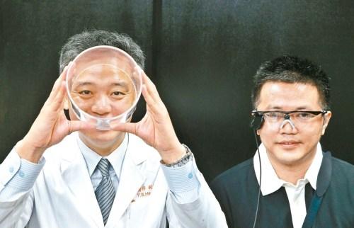 人工電子眼於1997年問世,突破醫界無法進行眼球移植重建視力的困境,幫助後天全盲者重見光明。 p1159-a6-04a