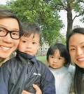 品冠(左)和老婆Jennifer(右)婚後育有一對兒女