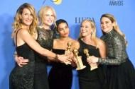 「美麗心計」風光奪獎,妮可基嫚、蘿拉鄧恩 瑞絲薇斯朋及其他演員一起合照。