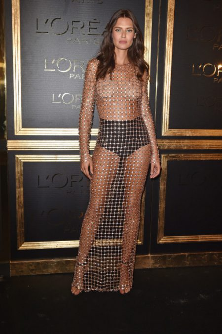PARIS, FRANCE - OCTOBER 02: Bianca Balti attends the Gold Obsession Party - L'Oreal Paris : Photocall as part of the Paris Fashion Week Womenswear Spring/Summer 2017 on October 2, 2016 in Paris, France. (Photo by Pascal Le Segretain/Getty Images)